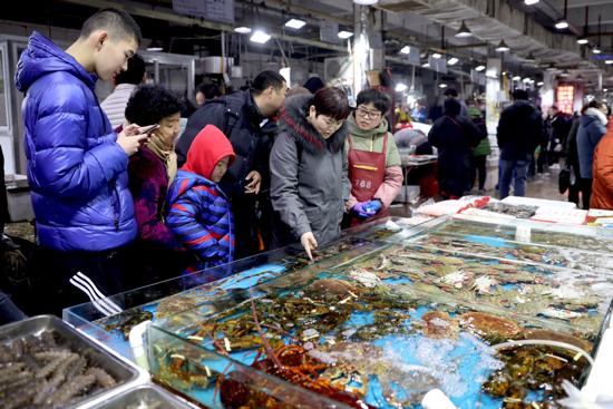 【我们的节日●春节】吃海鲜过大年 济南海鲜市场销售火爆