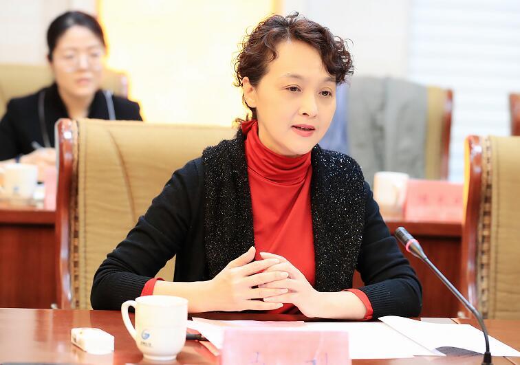 济南报业集团与济南公交联合启动主题实践活动