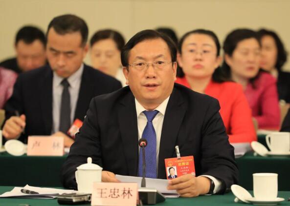 王忠林在参加山东代表团媒体开放日活动时发言表示:加快新旧动能转换 努力在推动高质量发展中走在前列