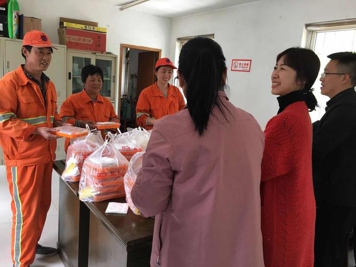 中共山东省委省直机关工委爱心午餐送给环卫工