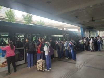 """""""五一""""期间济南公交运送乘客795万人次"""