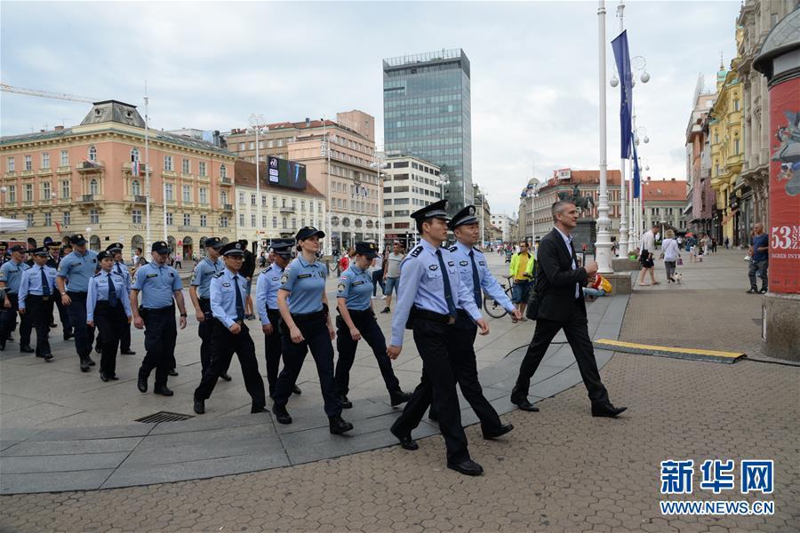 (国际)(1)中国与克罗地亚第二次旅游季警务联巡启动