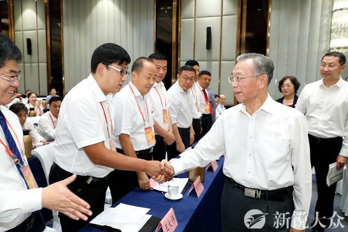 山东省庆祝2019年教师节暨教育系统先进集体和先进个人表彰大会、庆祝教师节座谈会在济举行