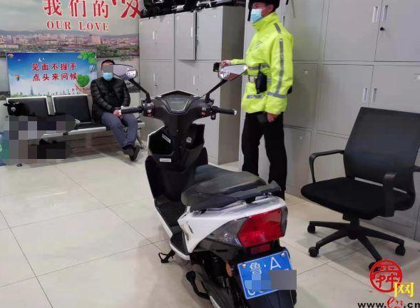 不戴头盔骑电摩,醉酒驾驶被查获