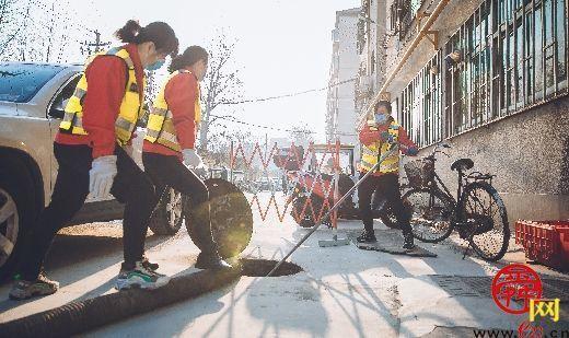 """新时代的女""""时传祥"""" ——记济南市城市管理局女子清疏班"""
